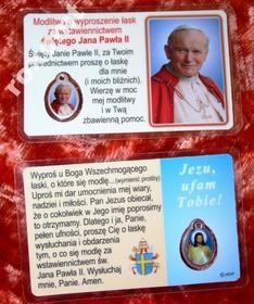 Św. Jan Paweł II - laminowany obrazek + medalik